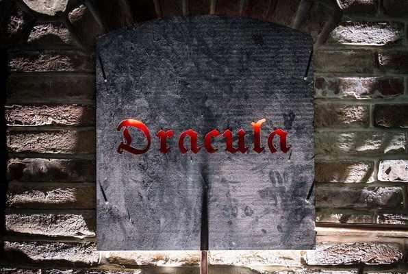 Dracula (Smart Rooms) Escape Room