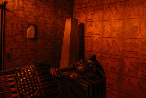 Egyptian Tomb (Clue Chase) Escape Room